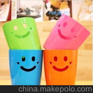 D3058日用百货 笑脸 桌面收纳桶 微笑 迷你 垃圾桶 杂物筒 42g